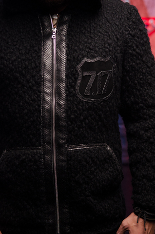 Мужской кардиган с капюшоном от 7.17 Studio Luxury 228030 текстура спереди