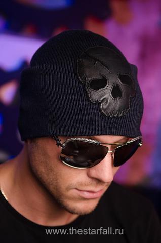 Шапка Castigo от 7.17 Studio с черепом на модели