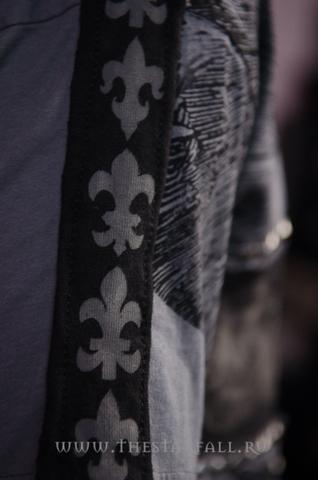 The Saints Sinphony | Футболка мужская MY BLACK HEART TS235SS принт на рукаве