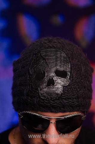 Шапка Formation от 7.17 Studio Luxury с черепом из кожи питона перед