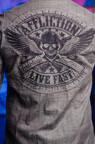 Affliction | Рубашка мужская GRITTY ASH 110WV616 вышивка на спине на модели