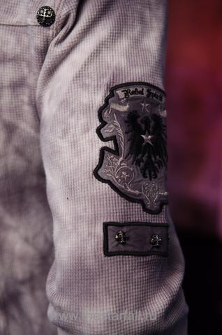 Пуловер Rebel Spirit TH110725 декоративный элемент на рукаве на модели