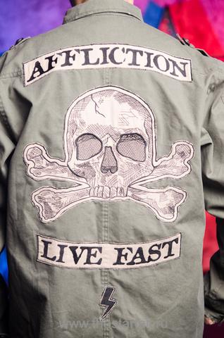 Куртка Affliction A226880 аппликация на спине череп