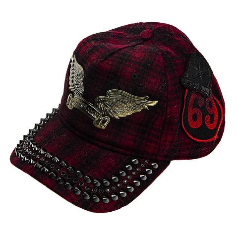 Бейсболка Robin's Jean CAP WITH GARNET SW & BLK SPIKES SP