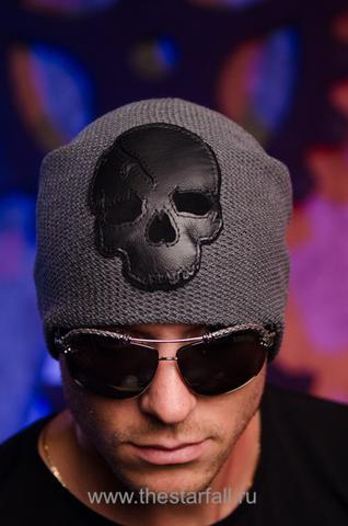 Шапка Plentitude от 7.17 Studio с черепом перед
