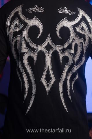 Affliction   Мужская футболка лонгслив A137 принт на спине крылья