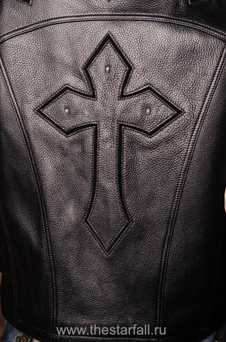 Куртка кожаная 7.17 STUDIO ST226860 крест на спине