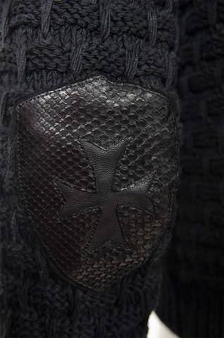 МУЖСКОЙ КАРДИГАН С КАПЮШОНОМ KNIGHT ОТ 7.17 STUDIO LUXURY крест из кожи спереди