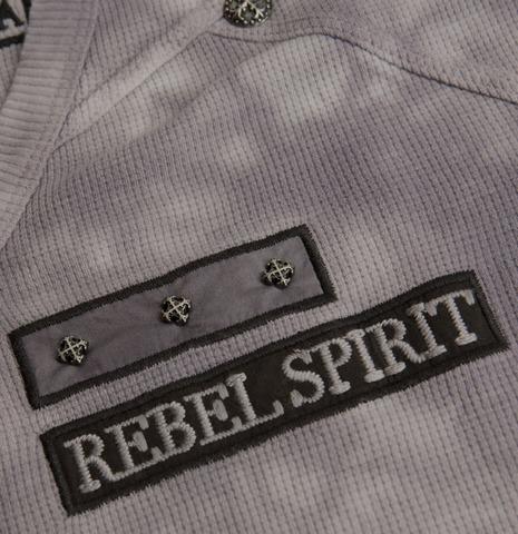 Пуловер Rebel Spirit TH110725 передний декоративный элемент с металлическими клепками