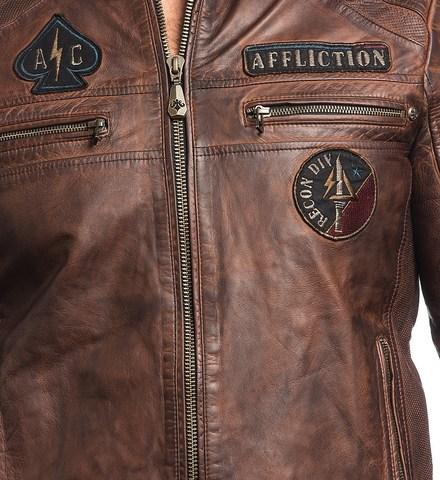 Куртка кожаная Affliction FATAL HOUR 110OW230 приближенный вид передние карманы