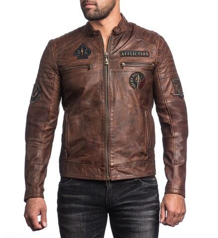 Куртка кожаная Affliction FATAL HOUR 110OW230 с нашивками перед на модели